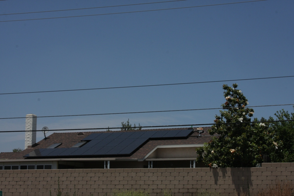 My neighbor's Sungevity solar installation today...photos! (5/6)
