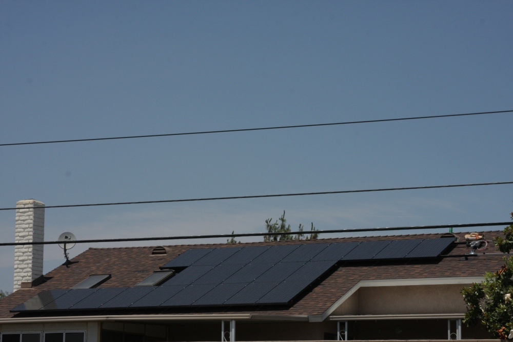 My neighbor's Sungevity solar installation today...photos! (4/6)