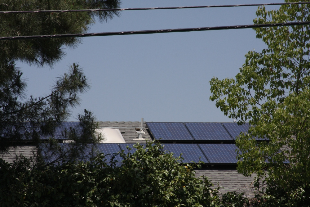 My neighbor's Sungevity solar installation today...photos! (2/6)